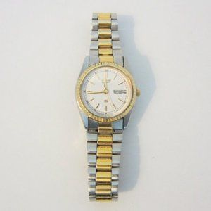 Vintage Seiko Quartz Women's Watch with Day & Date